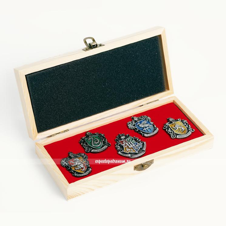 Набор оригинальных значков в деревянной коробке (серебро)