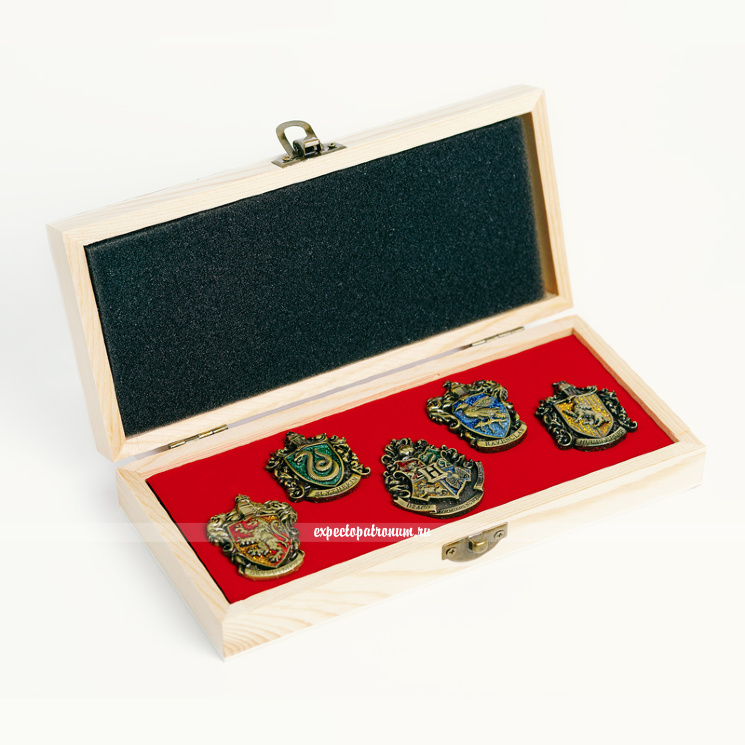Набор оригинальных значков в деревянной коробке (бронза)